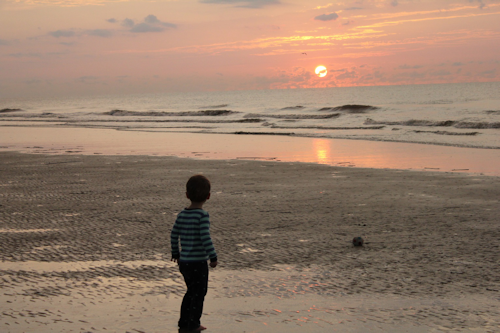 boy-at-sunrise_500x333